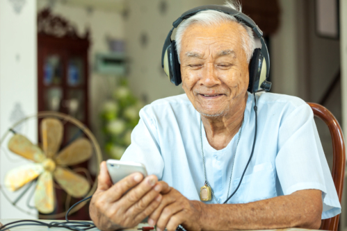 Why Music Is Beneficial for Seniors' Health